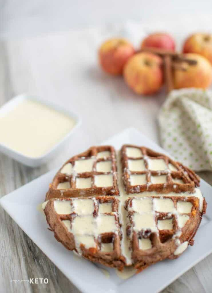 keto apple chaffles
